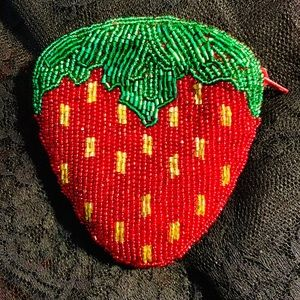 Accessories - 🍓NEW NEIMAN MARCUS BEADED STRAWBERRY COIN PURSE
